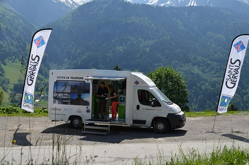 Saint-Gervais lance son office du tourisme mobile. DR