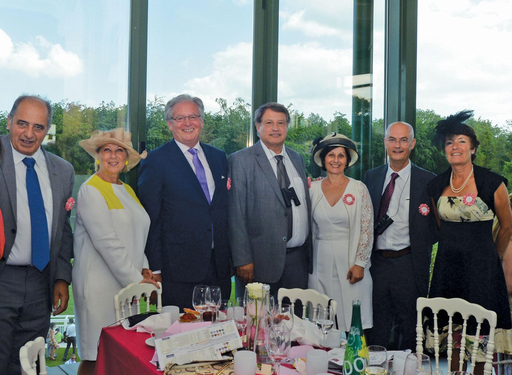 Jean-Pierre Mas, Président du SNAV, René-Marc Chikli, Président du SETO, Muntaz Teker, Président du Groupe Teker, Gilbert Cisneros PDG d'Exotismes et leurs épouses - DR