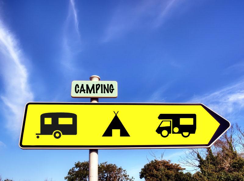 Responsable de camping, hors saison, il exerce des responsabilités commerciales et administratives pour préparer la saison suivante. S'il est salarié d'un groupe, hors-saison, il peut être amené à exercer ces mêmes tâches au siège social © Olivier Rault - Fotolia.com
