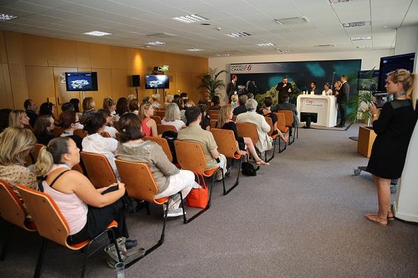 Conférence lors d'un congrès avec l'agence Safim. DR