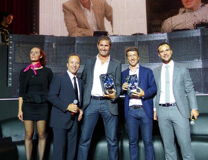 Carlos Da Silva (Odigeo - Ex GO Voyages) et Denis Philippon (Voyage Privé) entourés de Jean et Fabien Da Luz (TourMaG.com) lors de la remise des Trophées TourManager 1998-2013 ! - DR