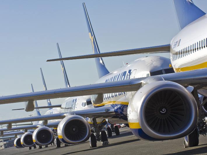 La compagnie dirigée par O'Leary, Ryanair, qui se veut proche du peuple en proposant toujours les tarifs les plus bas, n'hésite pas à faire un grand bras d'honneur à la législation sociale française. - Photo Ryanair DR
