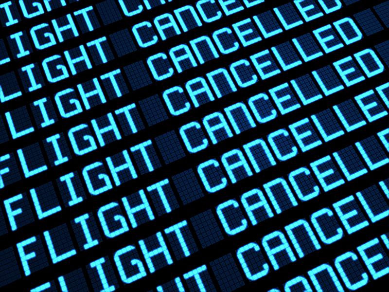Pendant les grèves, des milliers de professionnels se sont tapés des heures supplémentaires, subissant l'ire de leurs clients, des compagnies aériennes ont perdu des millions d'euros pour faire voler le peu d'aéroplanes autorisés à voler - © niroworld - Fotolia.com