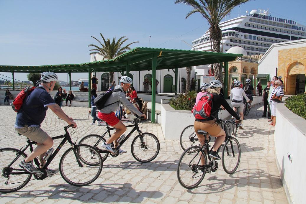 Une excursion depuis le port de la Goulette permet de découvrir Carthage à vélo - DR