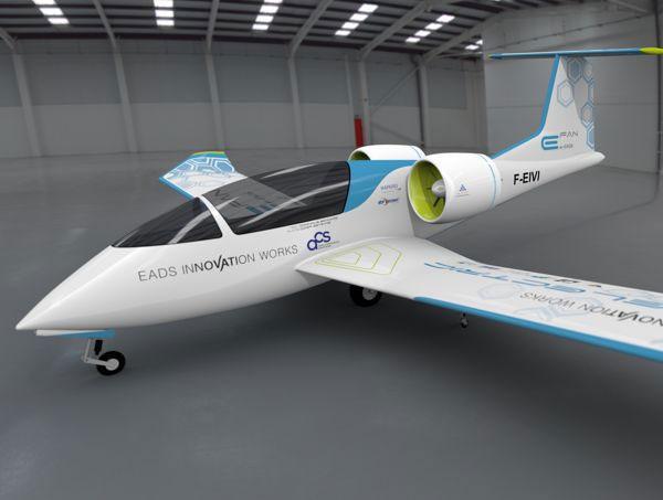 L'avion école 100% électrique développé par Airbus Group et Aero Composites Saintonge avec le soutien de la DGAC - DR