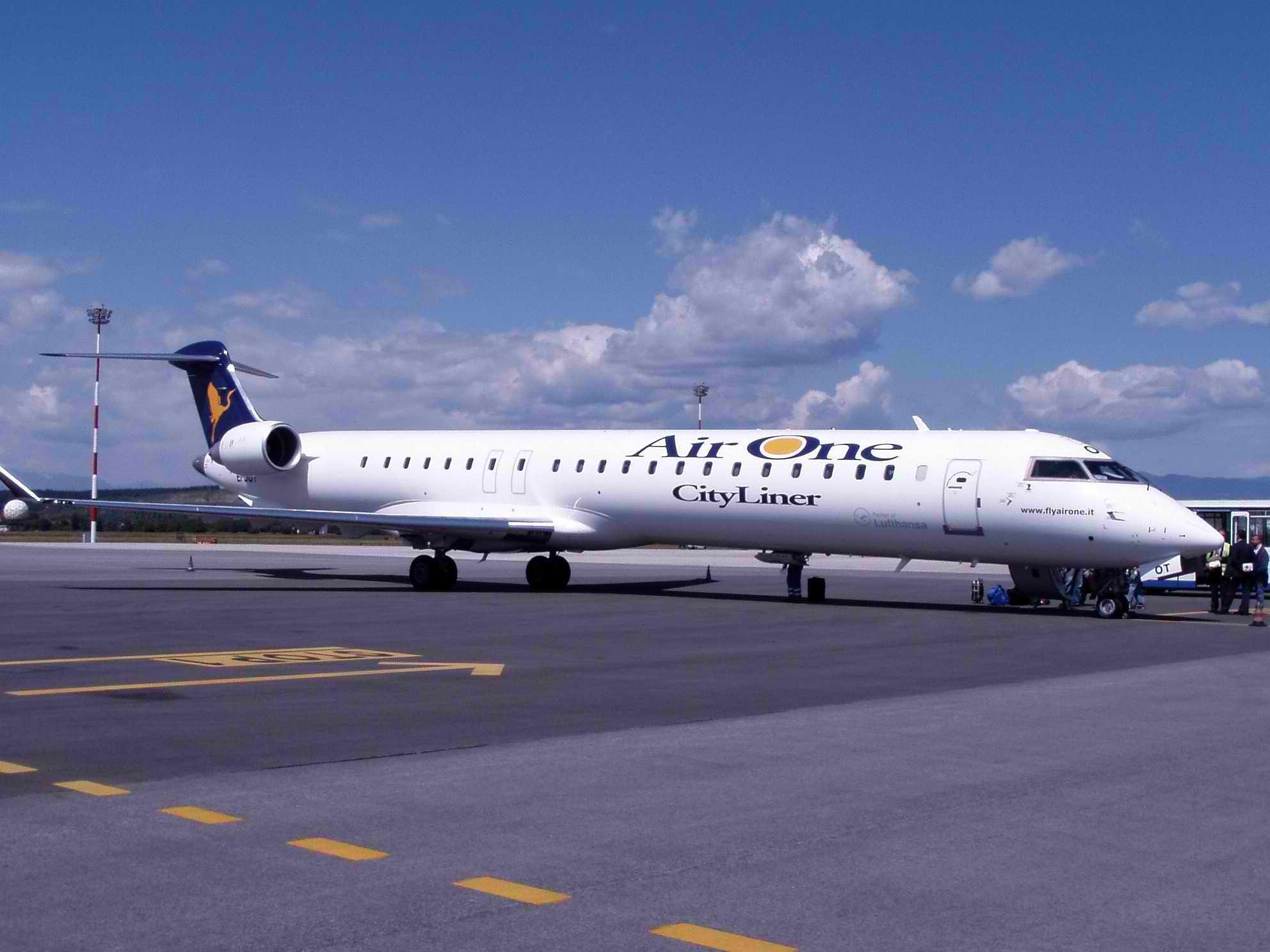 Basée à Catane, Milan, Pise et Venise, Air One était spécialisée dans les lignes point-à-point sur une trentaine d'aéroports - DR