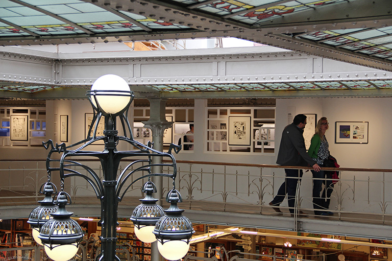 Balade dans la mezzanine des anciens magasins Waucquez - DR : Photo collection CBBD