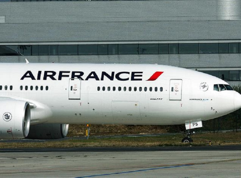 Le Boeing B777-200 d'Air France ne peut pas décoller vendredi 10 juillet 2015 comme prévu en raison de l'indisponibilité des membres d'équipage - DR : Air France-KLM