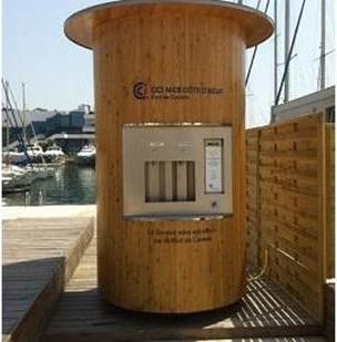 La Fontaineo délivre des bouteilles d'eau recyclables et réutilisables - Photo DR