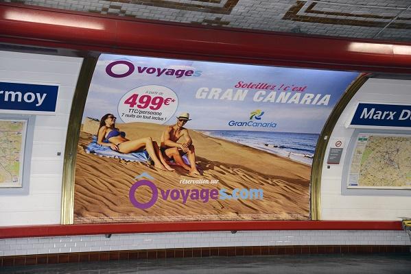 L'affiche d'Ôvoyages est visible dans plus de 400 stations de métro à Paris - DR : Ôvoyages