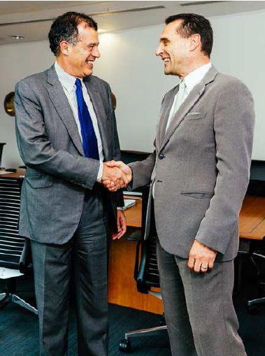 De gauche à droite : Henri Giscard d'Estaing, PDG de Club Med, et Peter Frankhauser, PDG de Thomas Cook Group - Photo DR