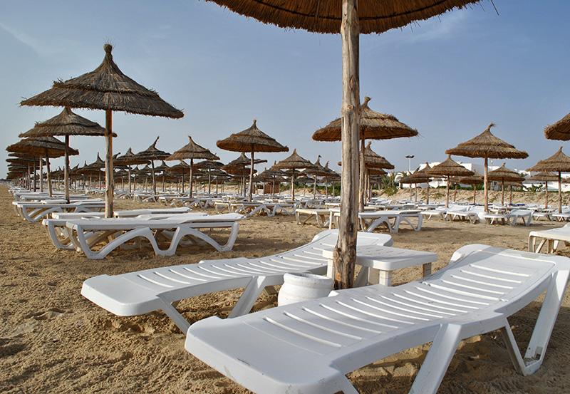 Contrairement à d'autres destinations méditerranéennes, le touriste à Djerba sortira peu ou pas du tout de son hôtel © kippis - Fotolia.com