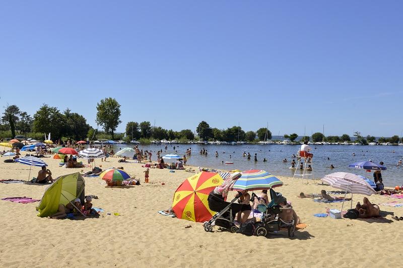Les Français  ont particulièrement plébiscité le littoral français cet été. Ici, la plage de Sanguinet, dans les Landes - DR : Fotolia / JAG Images