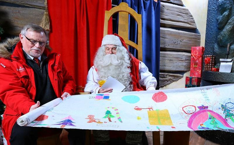 Le Père Noël et le Maire de la ville de Rovaniemi, Esko Lotvonen - DR : Visit Finland