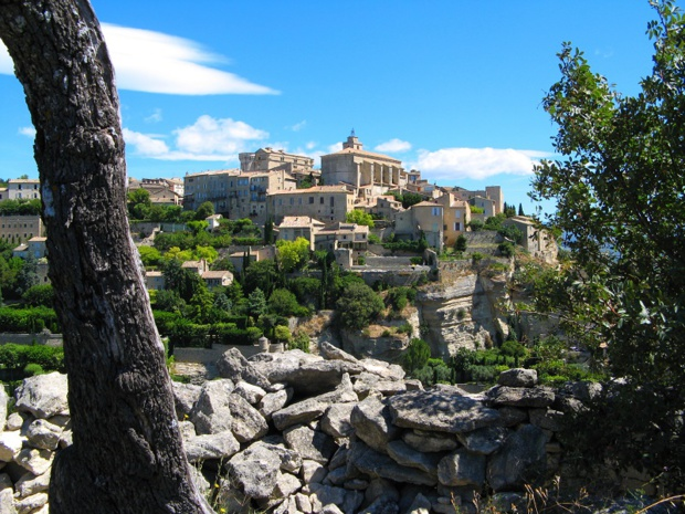 Gordes Villa in Vaucluse -  Photo : vouvraysan - Fotolia.com