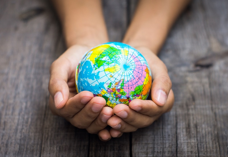 Investir, de manière à préserver les différences, dans des initiatives touristiques locales c'est renforcer l' offre commerciale des entreprises émettrices et contribuer, certes modestement mais efficacement, à fixer les populations dans leurs milieux d'origine © kbuntu - Fotolia.com