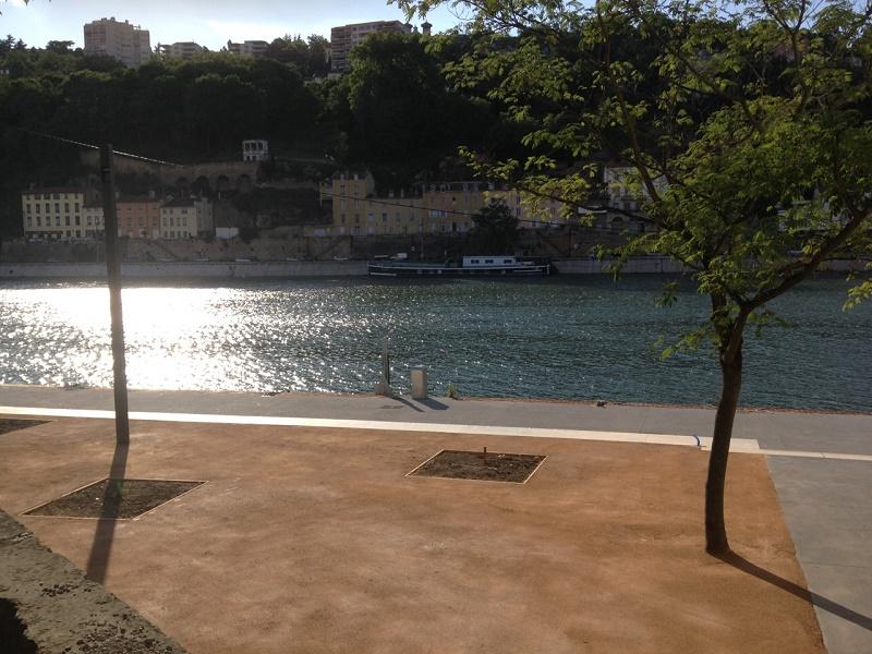 Un nouvel espace « Rez de Saône » et la construction d'une terrasse de 150 m², a permis d'augmenter la capacité d'accueil à 700 personnes (contre 550 auparavant), sur 900m² - DR : L'Embarcadère