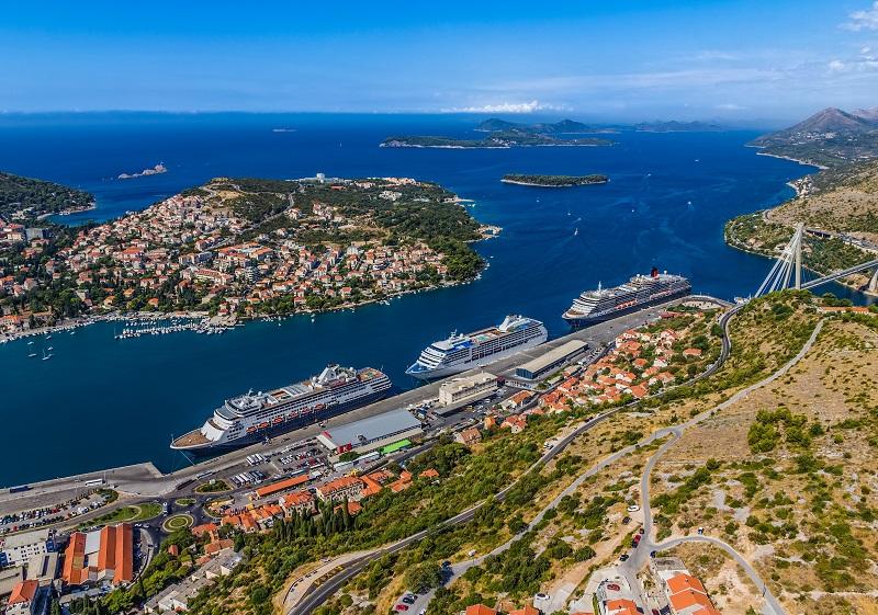 Si Venise, et à un degrés moindre Dubrovnik, sont les deux incontournables, nombres de ports plus ou moins connus du public français, valent bien une journée de découverte - Fotolia Auteur : Dario Bajurin
