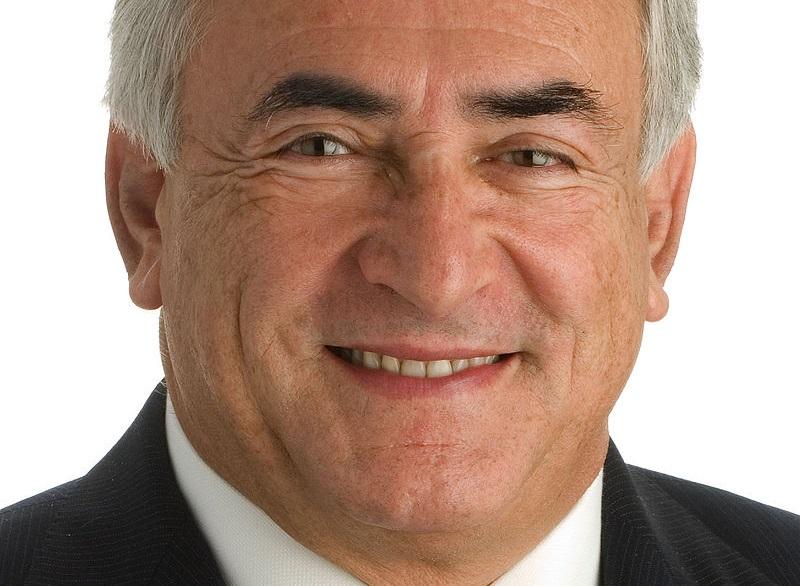 DSK (official portrait 2008)» par Fonds monétaire international /IMF Photographic (Sous licence Domaine public via Wikimedia Commons)
