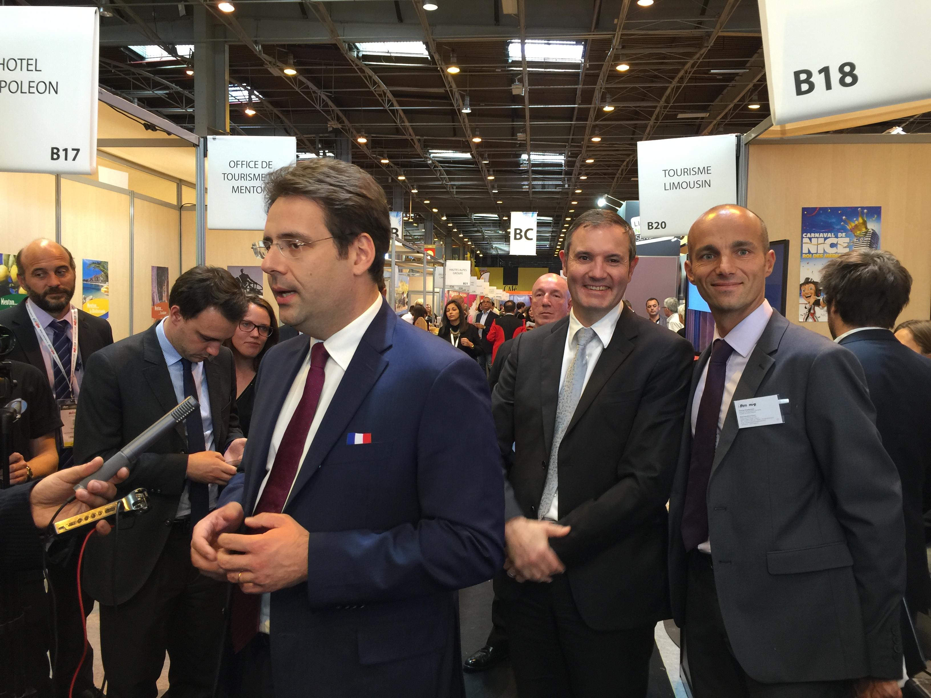 Thomas Desplanques (à droite), près de Matthias Fekl, secrétaire d'Etat en charge de la Promotion du tourisme - Photo DR