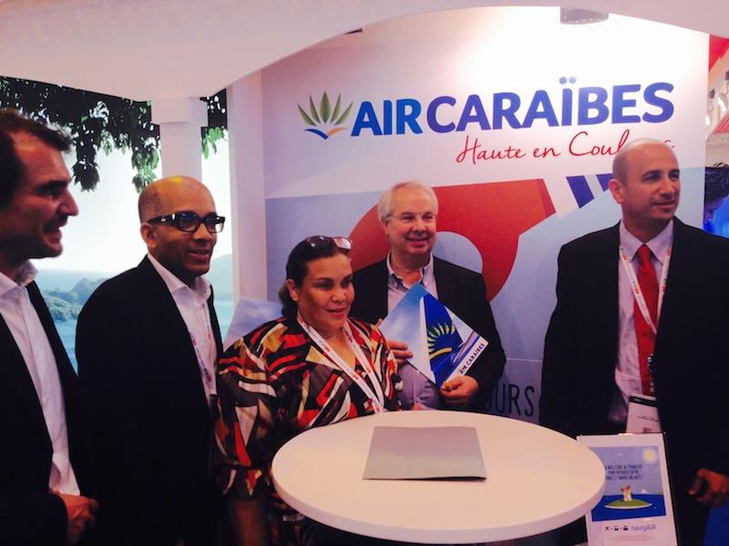 Signature de l'accord entre Air Caraïbes et l'Express des Iles. DR-Air Caraïbes.
