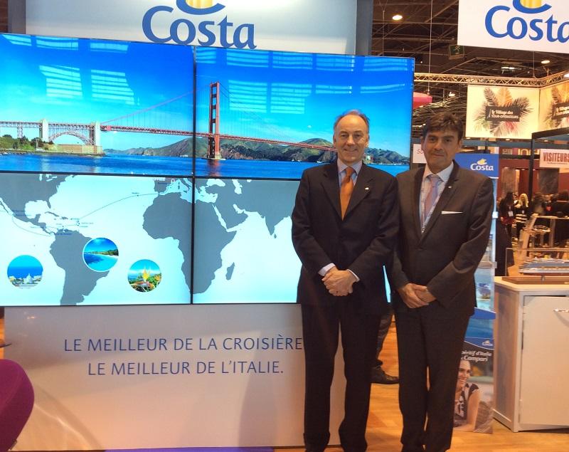 Nobert Stiekema, vice-pdt Exécutif Ventes et marketing, et Georges Azouze, PDG de Costa Croisières France sur le stand de la compagnie à l'IFTM Top Resa - Photo Costa