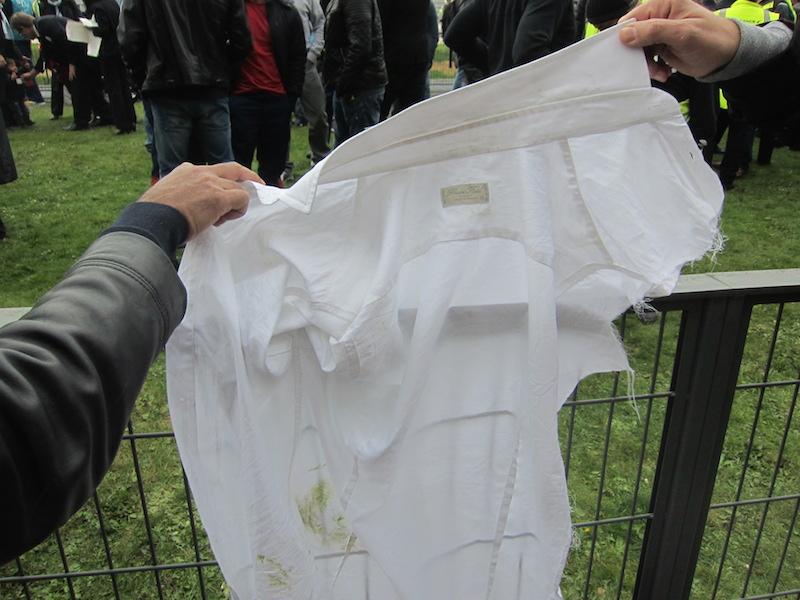 La chemise déchirée de Xavier Broseta, le DRH d'Air France. DR-LAC