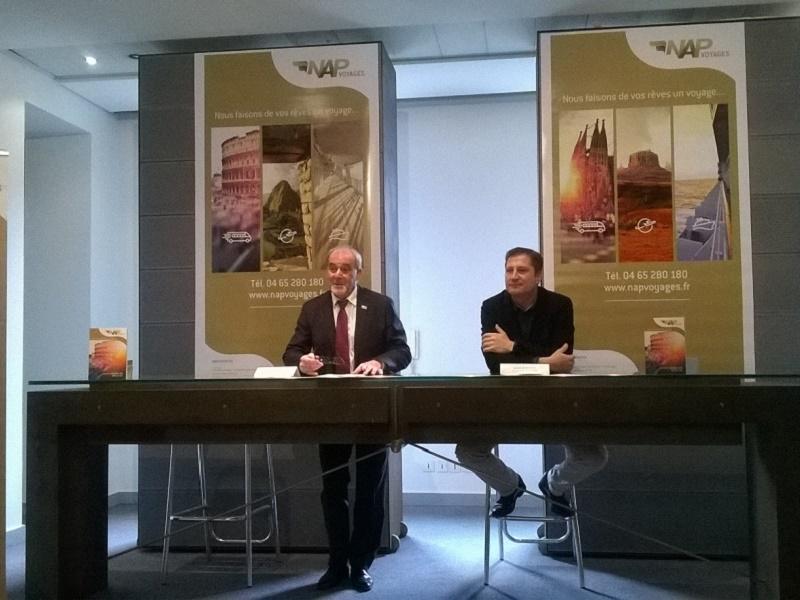 Lionel de Abreu (à gauche), PDG du groupe NAP, et Olivier Moncoudiol (à droite), directeur de NAP Voyages - Photo : P.C.