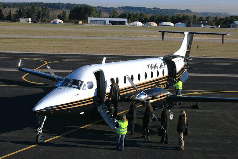 Twin Jet exploite une flotte de dix Beechcraft qui ont une quinzaine d'années. DR-Twin Jet