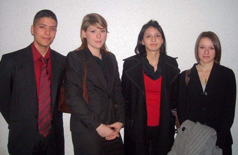 Les semi finalistes : Amir, Fleur (lauréate), Sylvia et Marion (cliquer pour agrandir)