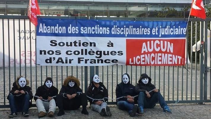 La CGT n'accepte pas les licenciements et appelle à la grève le 19 novembre 2015 - Photo Paris-luttes.info