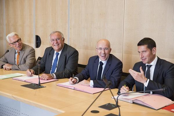 Cette convention a été signée à Paris par Patrick Alexandre, Directeur Général Commercial, Ventes et Alliances Air France-KLM ; Eric Ciotti, Député, Président du Département des Alpes-Maritimes et David Lisnard, Président du CRT Côte d'Azur - Photo : acHavet