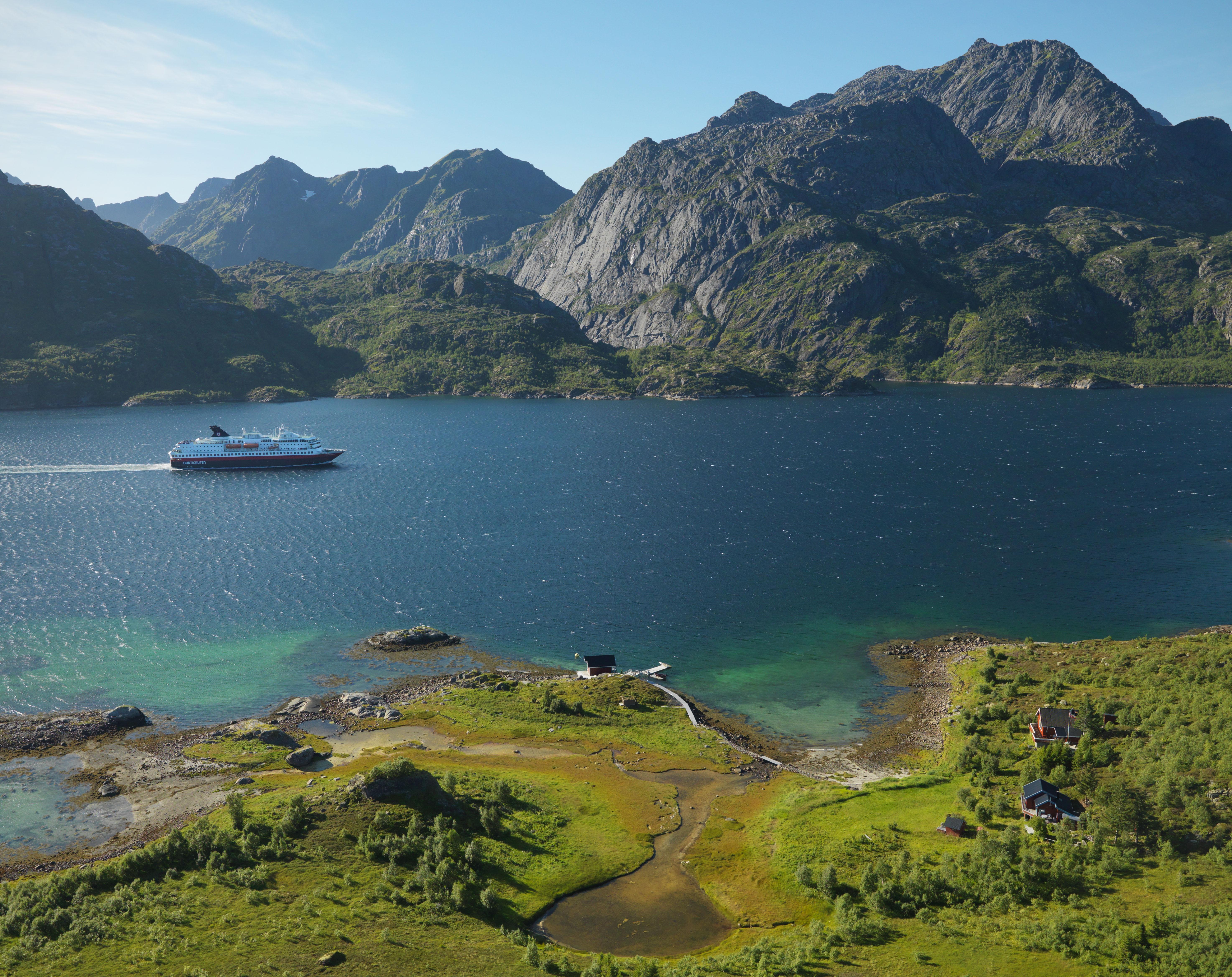 L'Express Côtier : depuis 120 ans il assure en toutes saisons  la ligne des fjords norvégiens.
