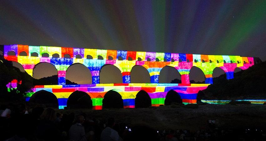 La programmation pour le 30e anniversaire de l'inscription du Pont du Gard au Patrimoine Mondial de l'UNESCO a remporté un franc-succès en 2015 - Photo : Pont du Gard