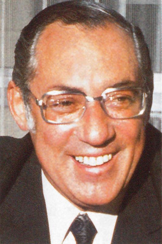 En 1945, un certain Jacques Bolli est engagé comme… sténodactylo ! Énergique, ambitieux, sportif – capitaine de l'équipe de handball de Zurich – il maîtrise cette écriture abrégée en allemand, anglais et français. En 10 ans, Jacques Bolli gravira tous les échelons. Il prendra la direction générale de Kuoni et occupera ce poste de 1955 à 1988 - Photo Kuoni DR