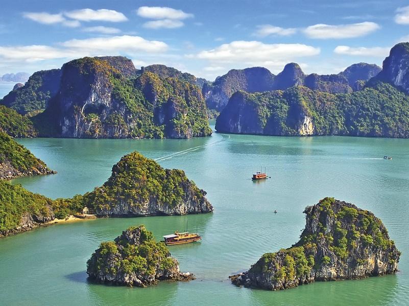 La baie d'Halong, l'une des étapes du tour du monde de Safrans. DR - Safrans du Monde