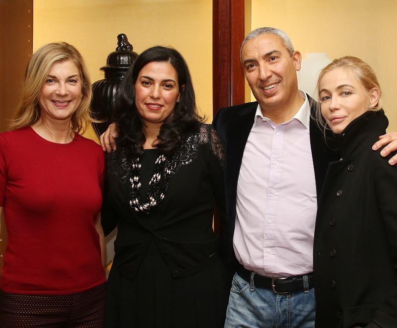 Michèle Laroque et Emmanuelle Béart entourant Samia et Raouf Benslimane à la présentation de la programmation Ô clubs 2016. Photo crédit : Denis Guignebourg