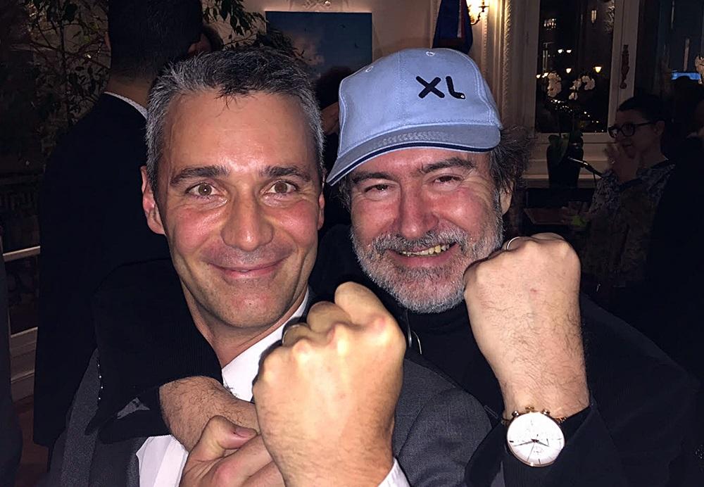 Folco Aloisi, co-fondateur de Karavel-Promovac et Laurent Magnin, président de XL Airways, scellent leur accord dans la bonne humeur... /photo JDL