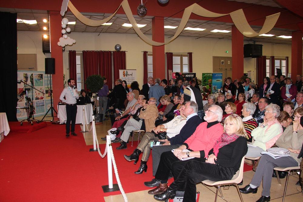 Des conférences étaient organisées toutes les demi-heures - Photo Vivarel
