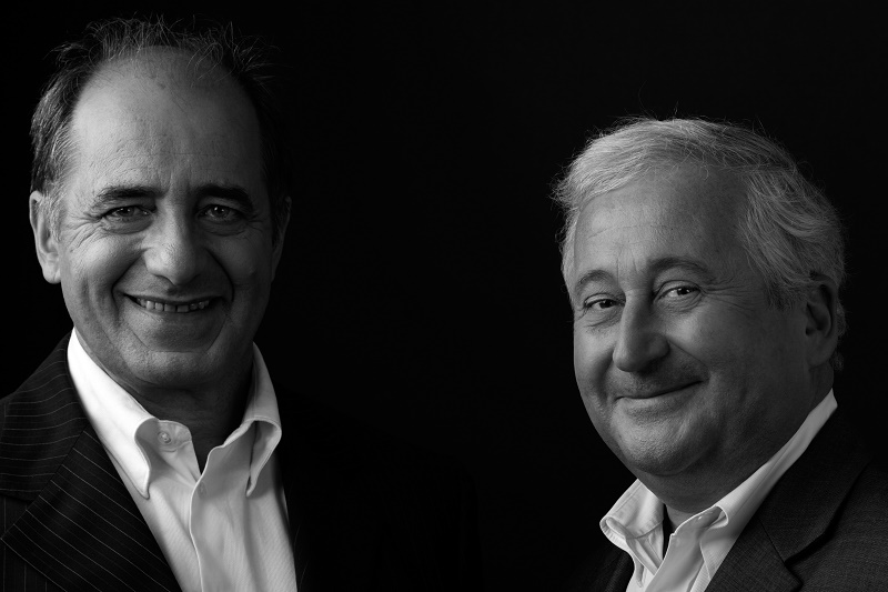 Le 9 avril 2009, un communiqué annonce la fusion des deux grands réseaux volontaires d'agences indépendantes. Il est co-signé par François-Xavier de Boüard et Jean-Pierre Mas, président du réseau concurrent AFAT, dont le siège est à Toulouse - DR