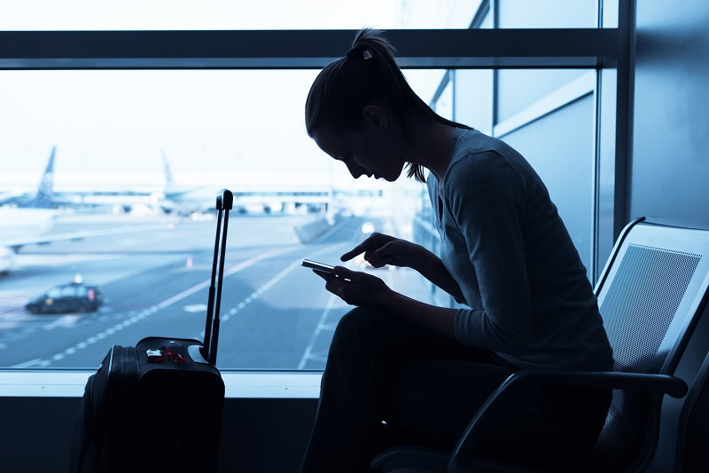 2/3 des voyageurs se connectent à internet dans les terminaux - (c) fotolia / kieferpix