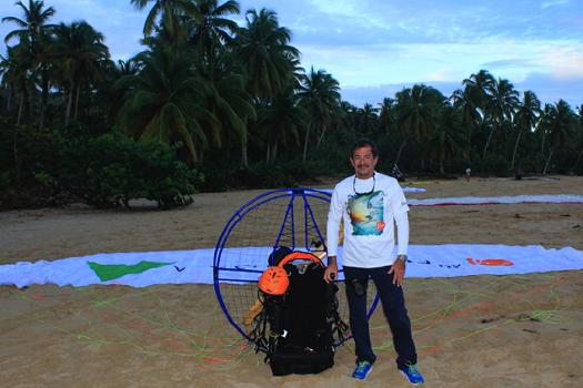Ettore Colussi a volé 200 km en para-moteur pour inaugauré les deux hôtels en République Dominicaine - Photo : Viva Wyndham V Heaven