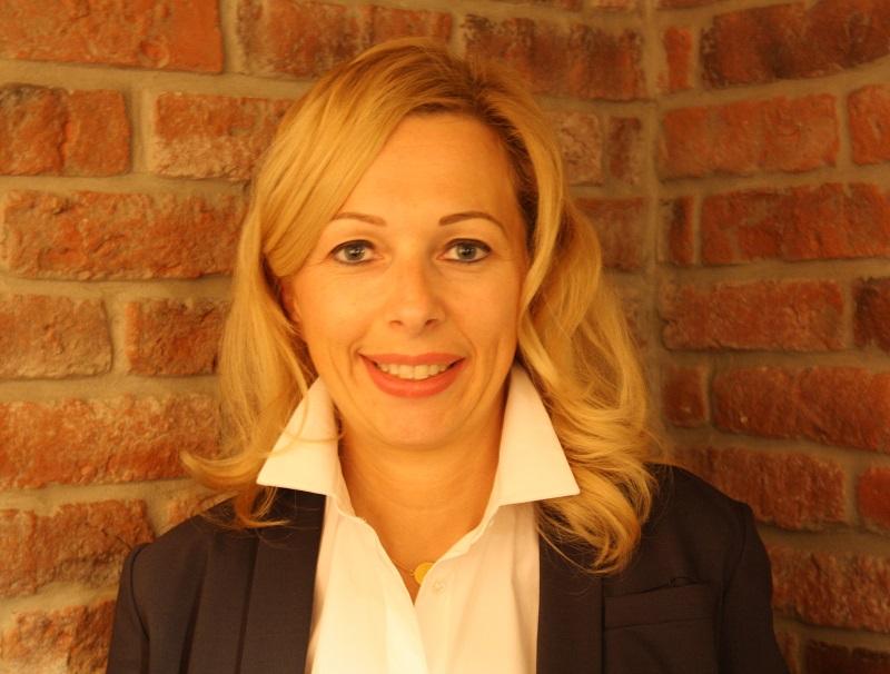 """Emmanuelle Spriet, CEO E-Voyages Group : """"Dans une hiérarchie déjà établie comme dans un grand groupe peut être est ce plus compliqué car il semble y avoir effectivement moins de femmes à des postes clés, mais dans l'entrepreneuriat il me semble que cela est accessible à tous et à toutes"""" - Photo E-Voyages Group"""