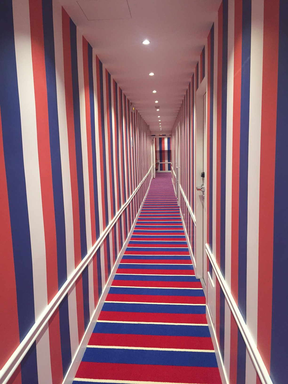 Hallway-Hotel 34B