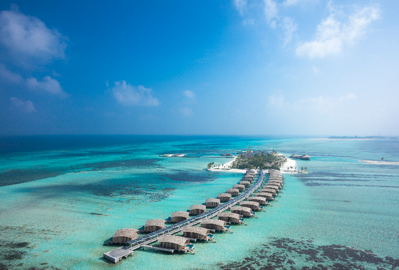 Vue aérienne des Villas de Finolhu – Maldives © Sam Nugroho