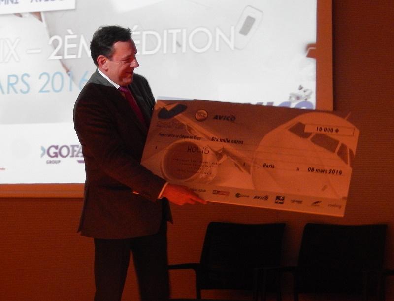 Holis a remporté le premier prix, un chèque de 10 000 € - Photo DR