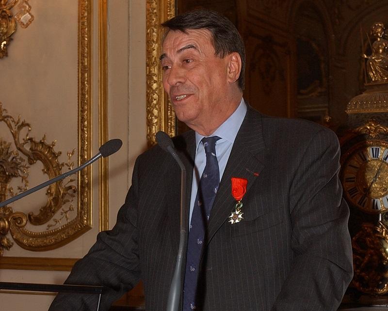 En 1978, le charismatique Olivier Delaire est élu président de l'APST. Il restera à ce poste durant 26 ans.   Il marquera à jamais la vocation solidaire de l'association. Il aura aussi le désir de voir un jour, à Paris, une « Maison du Tourisme » - DR : APST