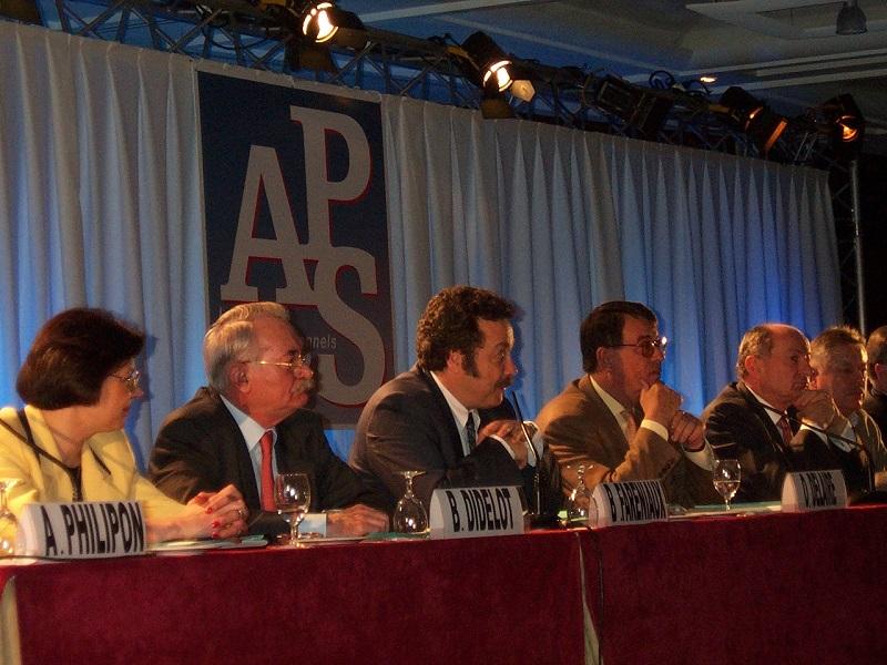 Olivier Delaire, président de l'APS depuis 1978, décède le 29 octobre 2005. Durant 25 ans, il a siégé sans contestation au poste de président. Bernard Didelot, son vice-président, va lui succéder - DR : APS
