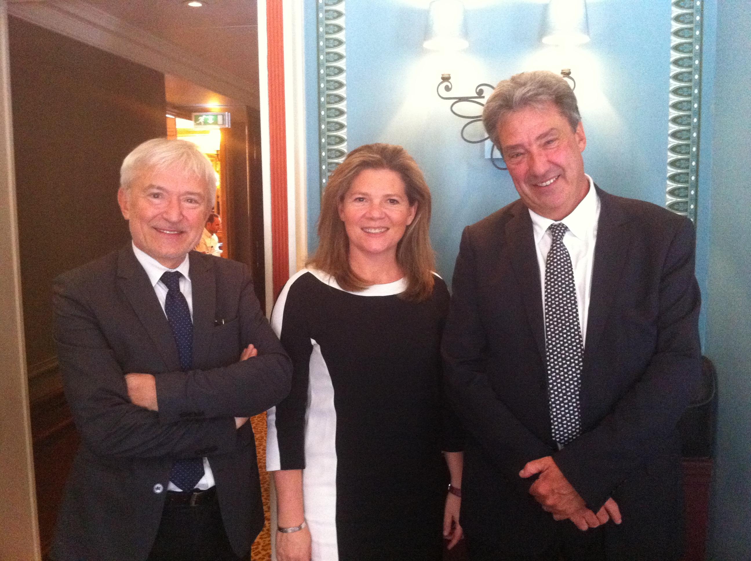 Bernard Croise, le directeur de l'agence 123 Voyages, Martine Biragnet, qui devient la directrice du pôle groupes et Jean Dionnet, le PDG d'Univairmer - DR : LAC