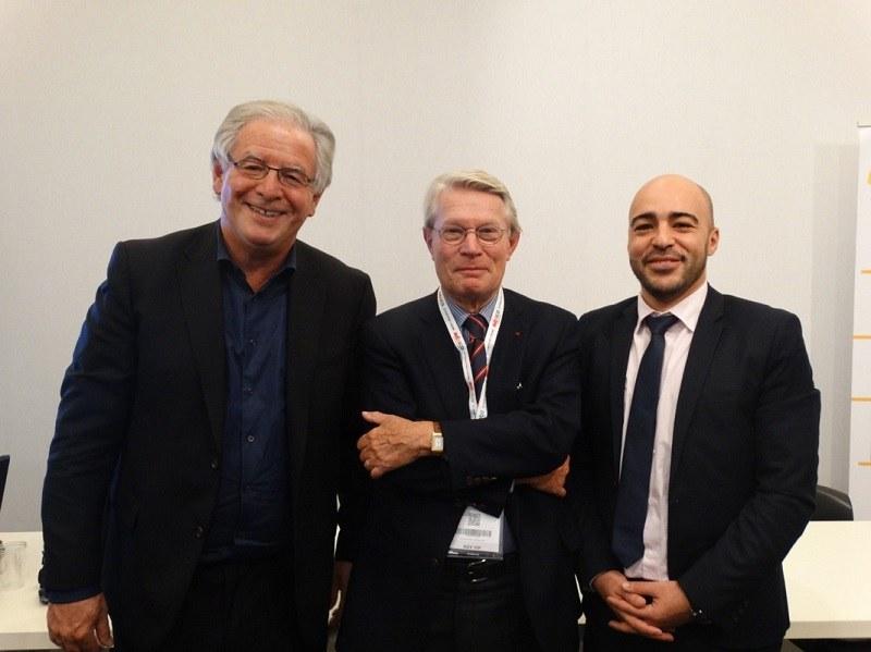De gauche à droite, René-Marc CHIKLI (Président MTV), Jean-Pierre TEYSSIER (Médiateur), et Khalid El WARDI (Secrétaire général MTV) - Photo JBH